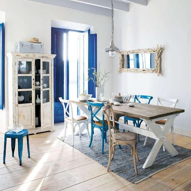 Casa al mare o in campagna arredamento e stile anche in for Arredamento casa mare piccola